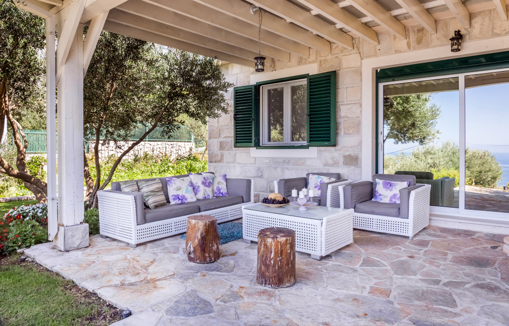 Permanent Veranda Roofs Pros And Cons As Deck Coverings