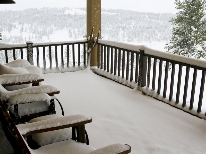 5 Ways to Prepare Your Deck For Winter